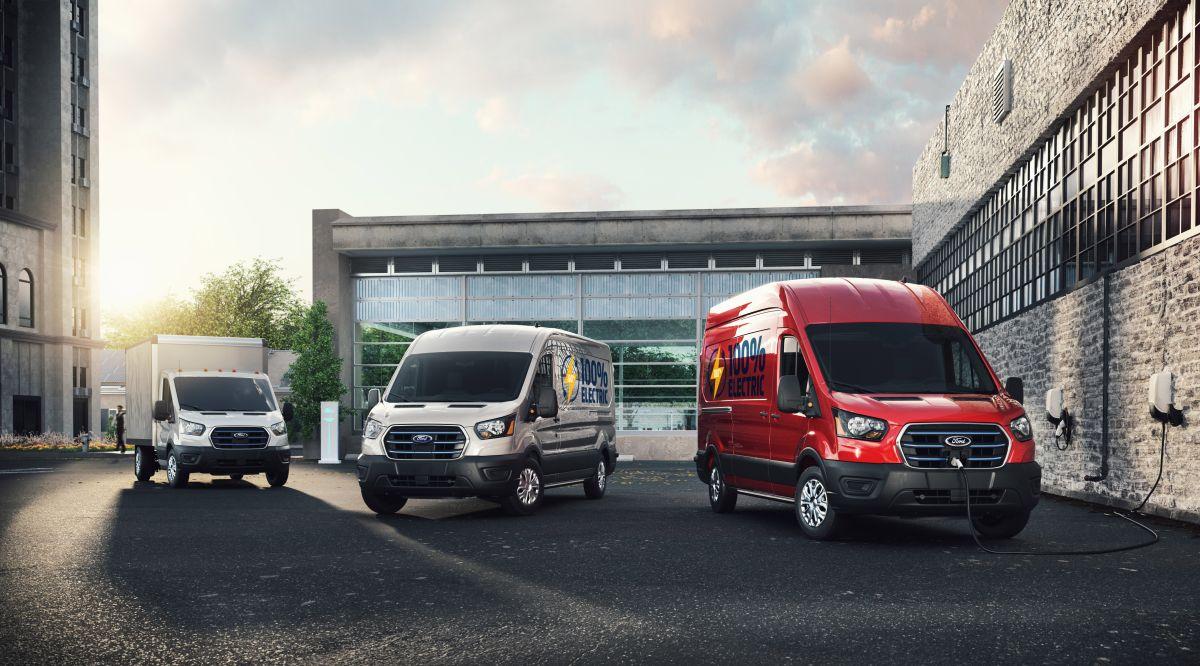 Foto de los distintos modelos de E-Transit de Ford