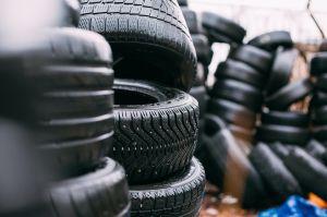 Estas son algunas razones por las que no debes comprar neumáticos usados para tu auto