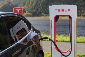Tesla abrirá su red Super Charger para otras marcas de autos: Elon Musk asegura que deberán pagar más por su uso