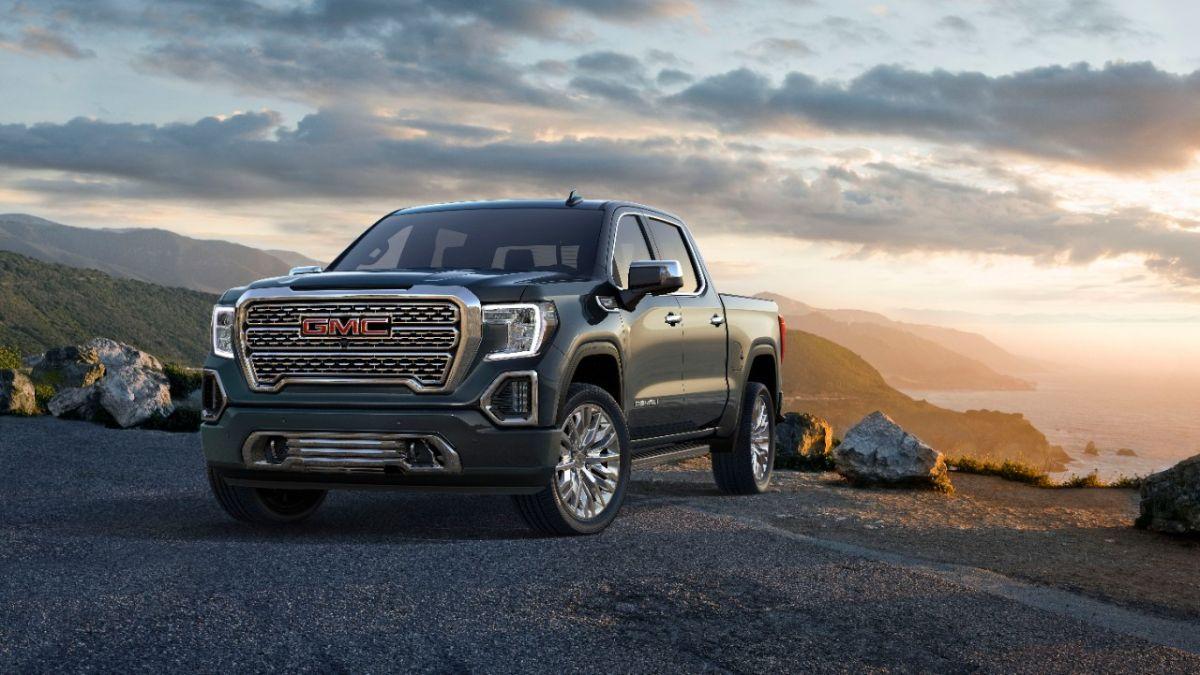 GM se queda sin más opción que detener la producción de camionetas de tamaño completo debido a la escasez de chips