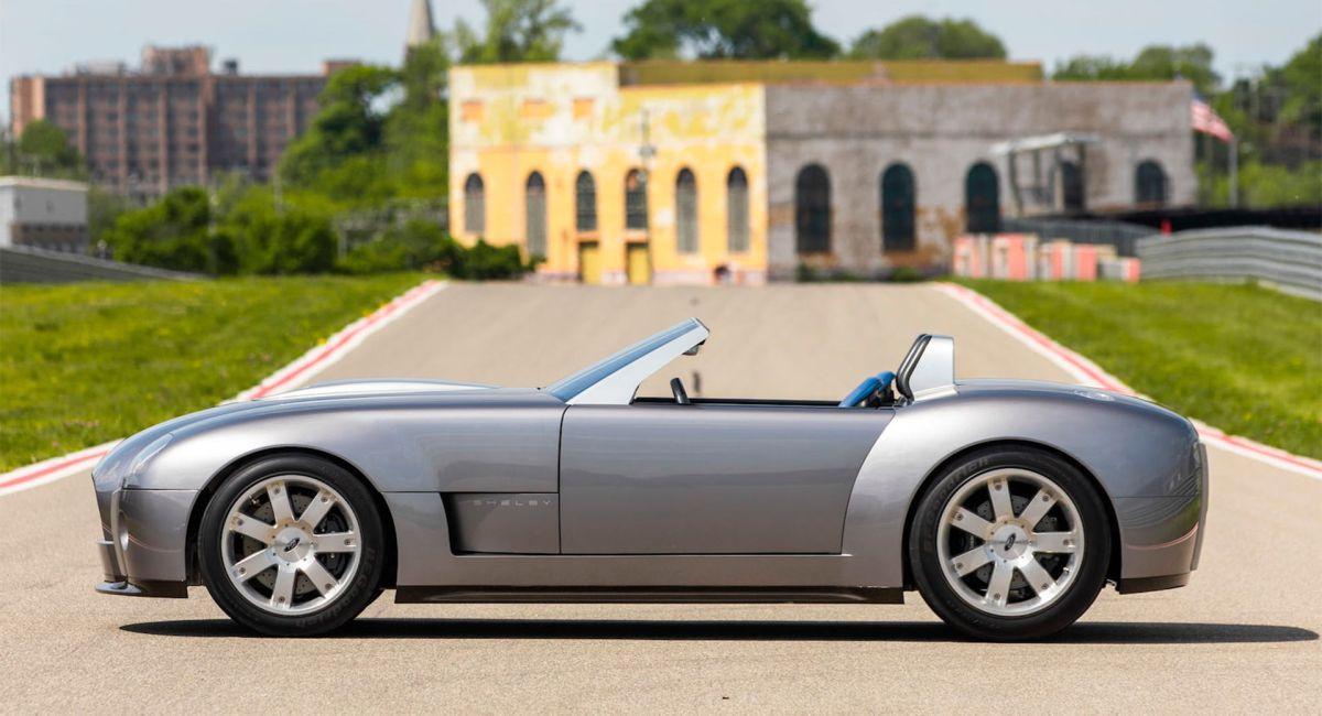 Ford subastará el Shelby Cobra V10, un concept car lanzado en 2004
