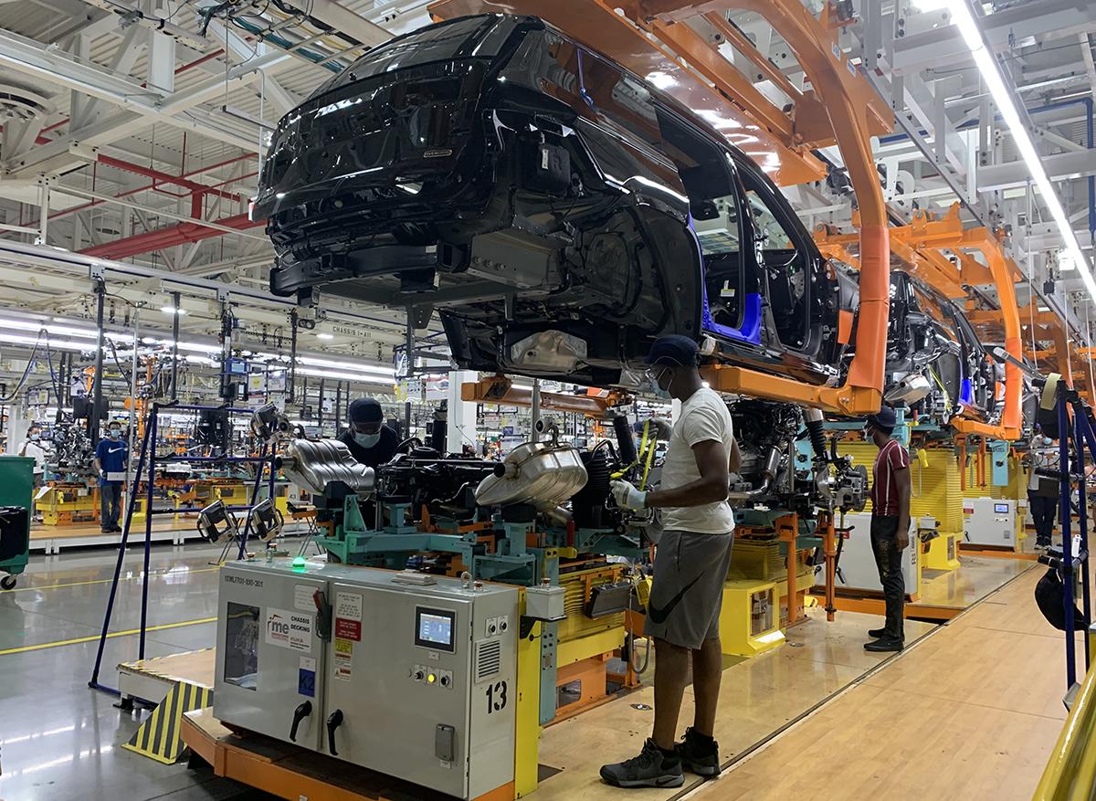La planta Mack de Stellantis da trabajo a 3,800 personas, de las que 2,100 son residentes de Detroit.