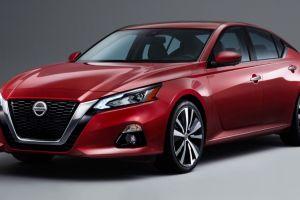 Nissan enfrenta una demanda por faros defectuosos en el Nissan Altima