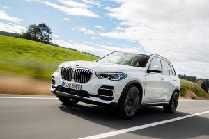 Headline El BMW X5 se convierte en el primer automóvil en usar neumáticos ecológicos