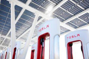Tesla cierra su primer estación Supercharger por motivos de seguridad