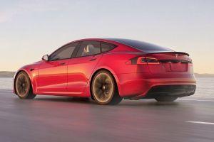 Tesla Model S Plaid se incendia en Filadelfia, pero nadie sabe el motivo