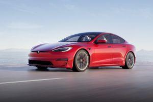 Aunque no es del agrado de los conductores, Elon Musk dice que el volante de yugo será obligatorio en el Tesla Model S Plaid