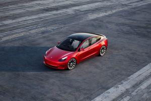 Según Elon Musk, los costos de las materias primas son los responsables del aumento de los autos Tesla
