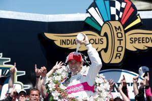 Honda gana las 500 Millas de Indianapolis de la mano de Helio Castroneves