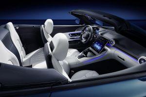 Mercedes muestra el espectacular interior del Mercedes-AMG SL 2022 con 4 asientos y una gran pantalla retráctil