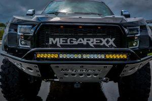 MegaRexx MegaRaptor; el gigantesco Ford F-250 con neumáticos de 46 pulgadas que te hará lucir imponente