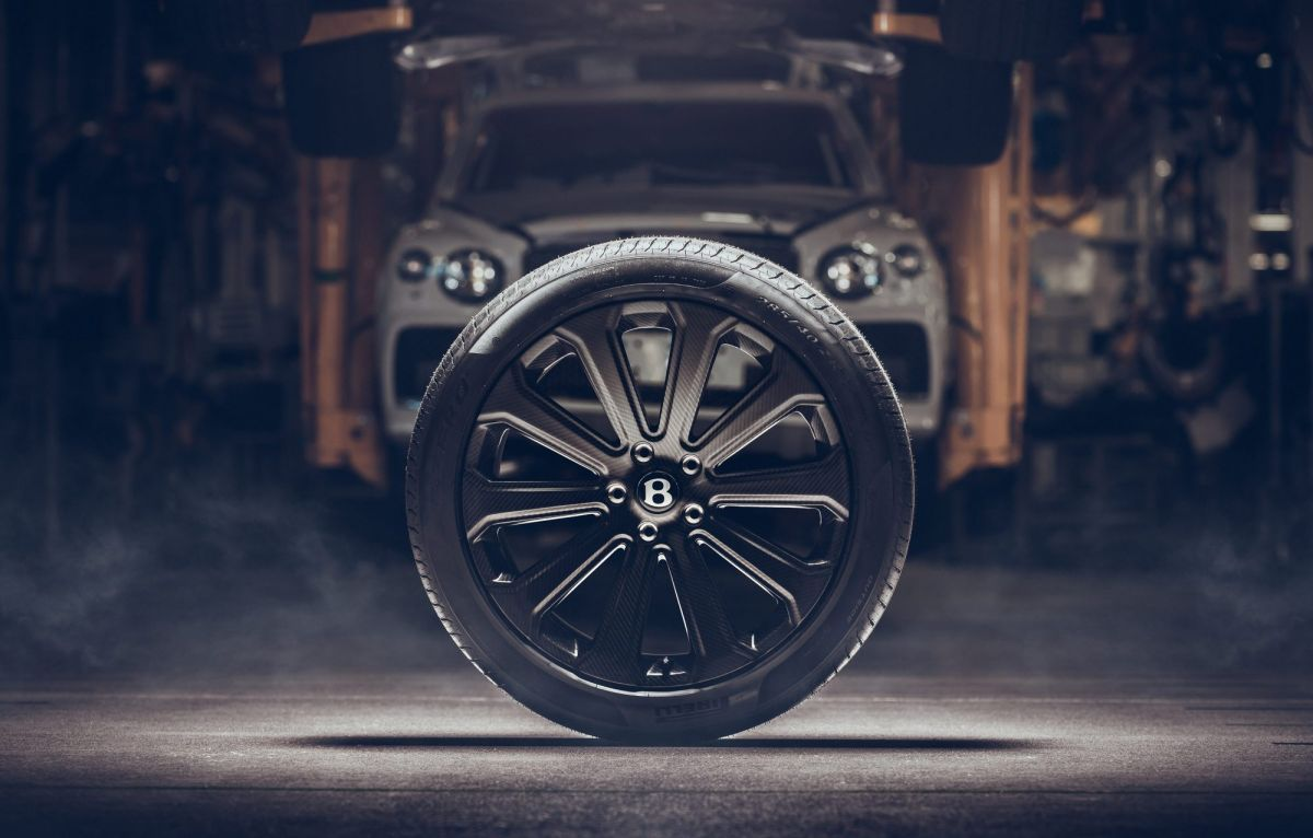 La nueva rueda de carbono frece una amplia gama de beneficios más allá de la mejora inicial de 6 kg en la masa no suspendida por rueda.