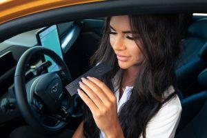 Ford lanza Mach-Eau GT, una colonia para caballeros con olor a gasolina