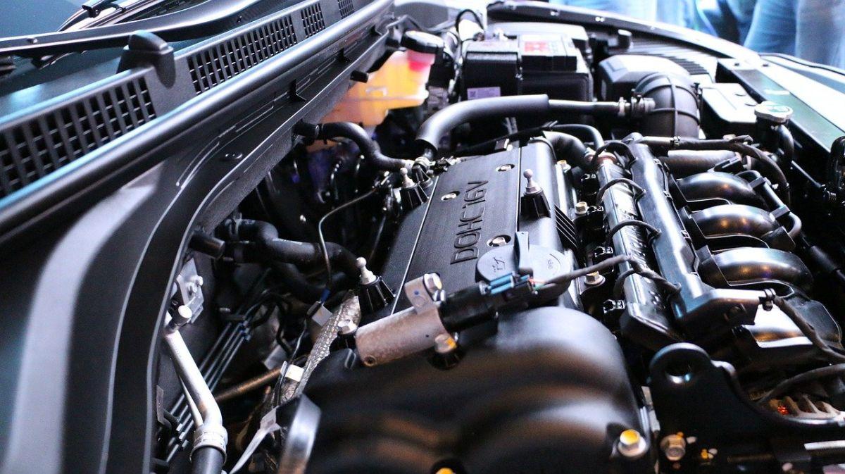 El ruido tic tic del motor puede ser un ruido normal en el auto.