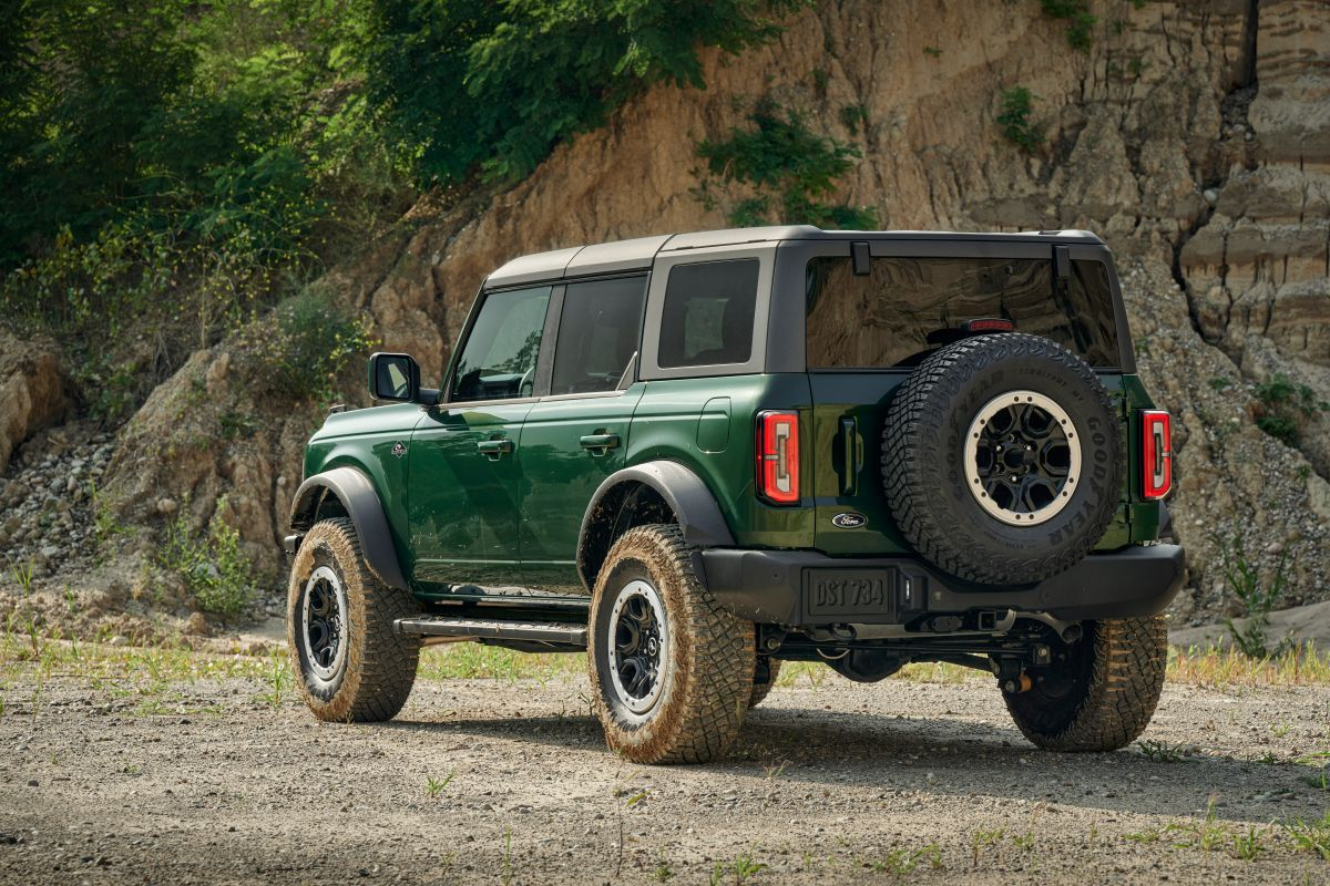 Ford Bronco Eruption Green Metallic