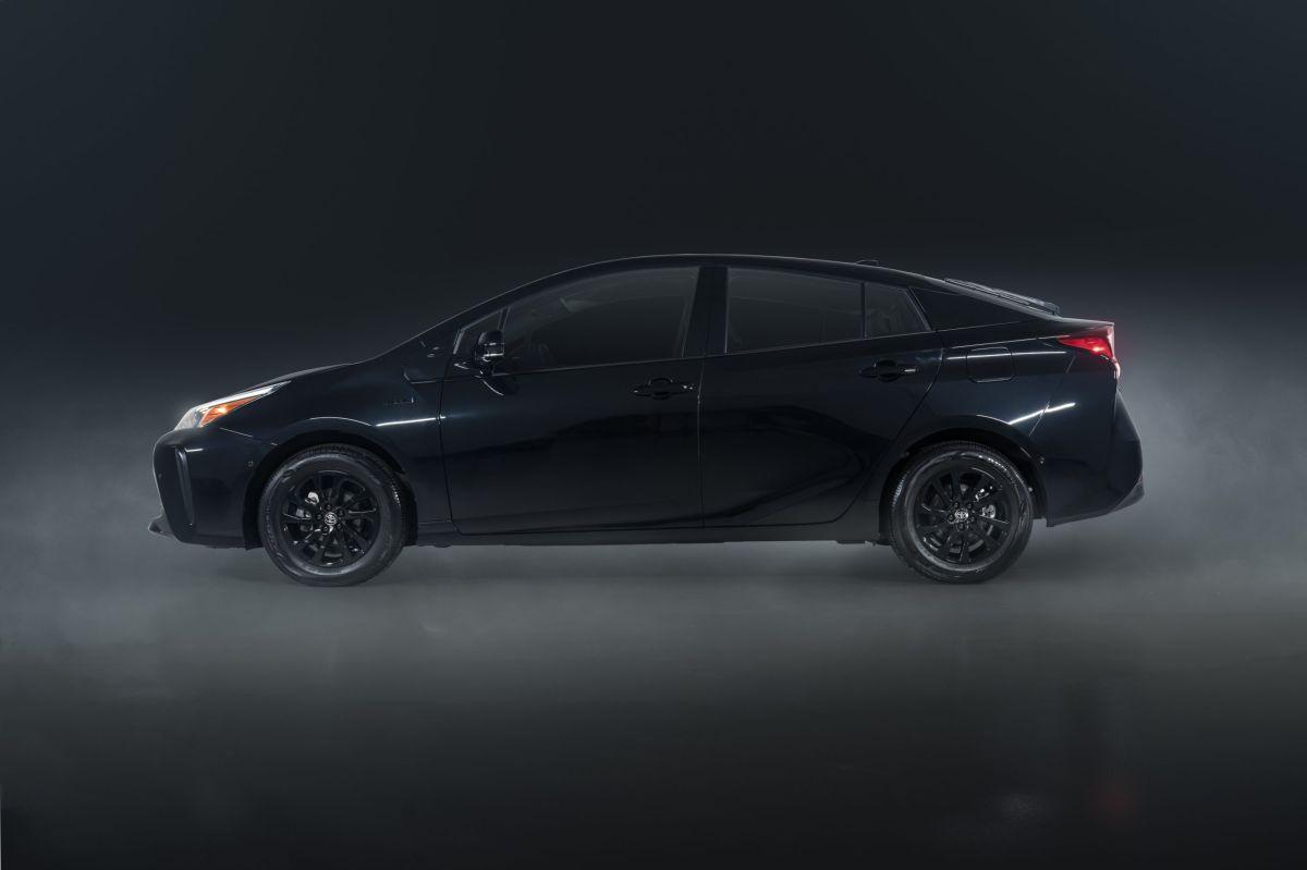 Toyota Prius 2022 toyota Toyota Prius 2022: entre lo tradicional y lo ecológico MY22 Toyota Prius Nightshade 007 scaled 1