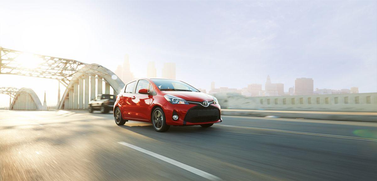 La tracción del Toyota Yaris 2016 está distribuida entre sus ruedas frontales.