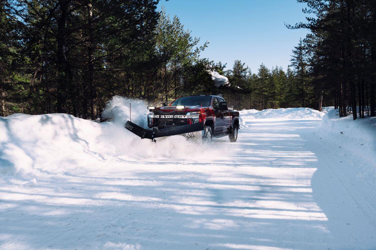 La tracción del Chevrolet Silverado 2018 está distribuida entre sus 4 ruedas.