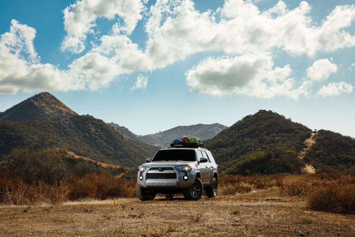 Con un tanque lleno, el Toyota 4Runner 2021 puedo recorrer hasta 437 millas.