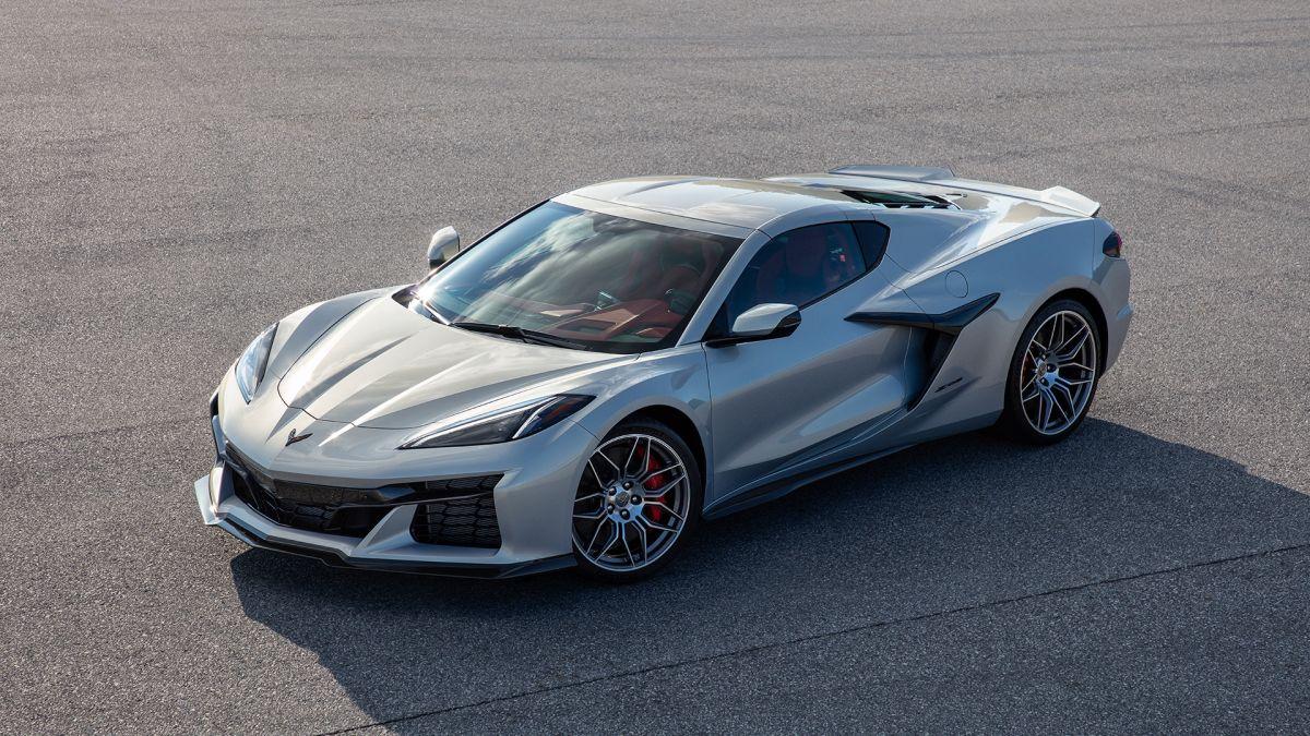 El nuevo Corvette Z06 2023 será revelado totalmente el próximo 26 de octubre de 2021.