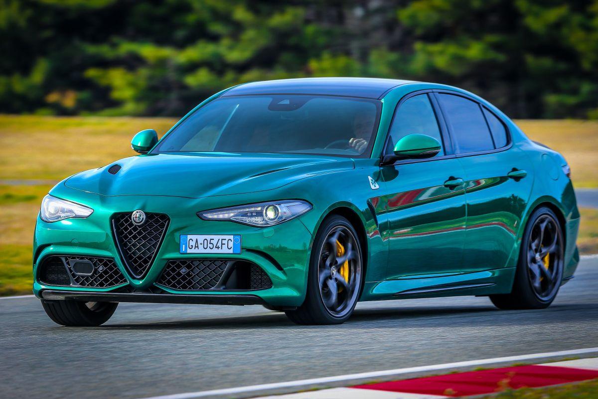 Con un tanque lleno el Alfa Romeo Giulia 2021 puede recorrer hasta 382 millas.