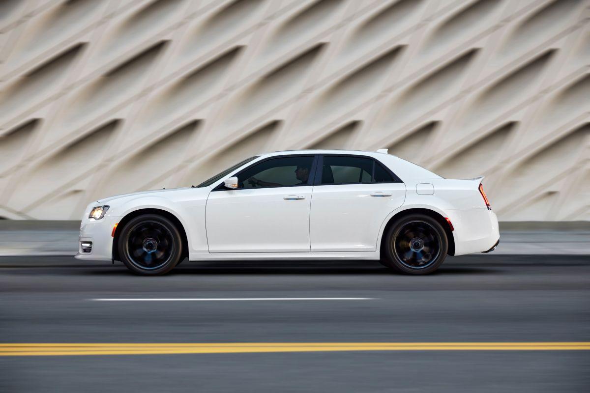 Chrysler 300S 2022