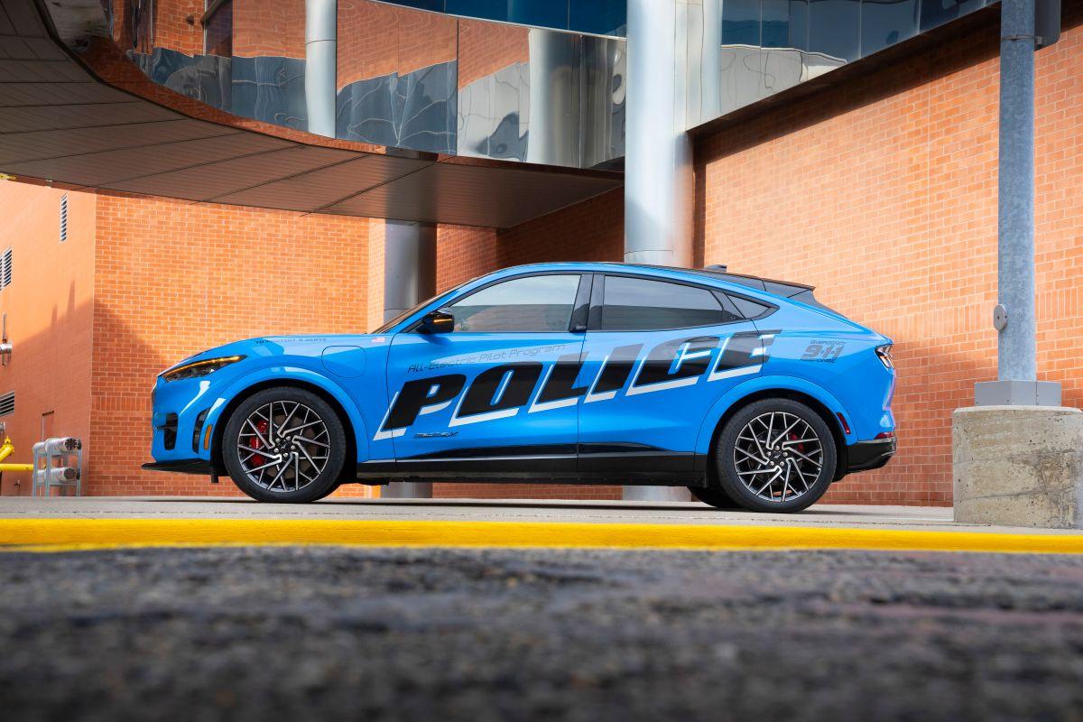 Mustang Mach-E piloto de policía