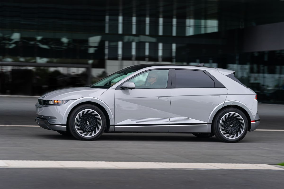 Hyundai Ioniq Hybrid 2021