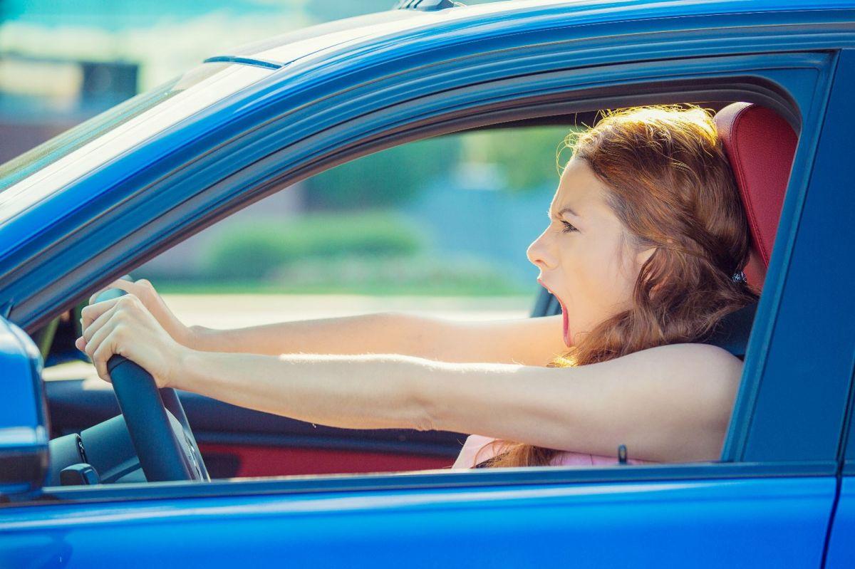 Mujer en accidente de autos / Foto: Shutterstock