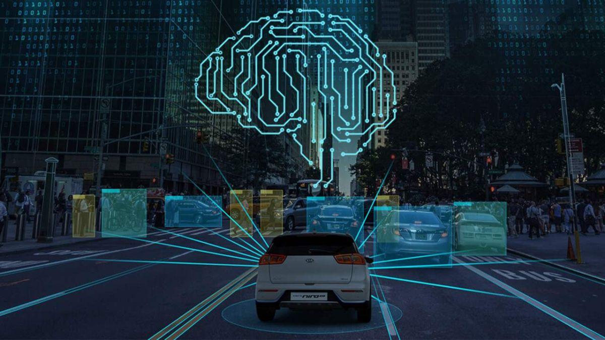 Los autos más recientes cuentan con diversos sistemas de conectividad que monitorean las funciones del automóvil.