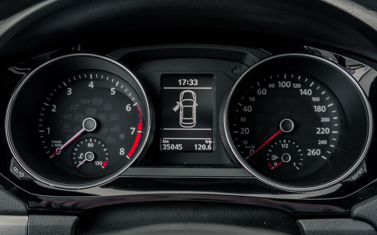 Conducir con poca gasolina afecta de diferentes maneras el auto.