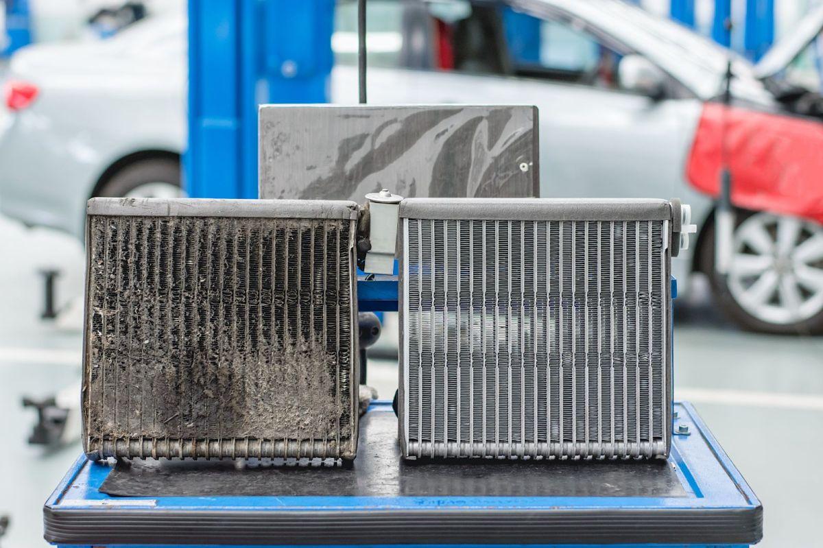 El condensador de los aires acondicionados, también debe estar siempre en excelentes condiciones para que todo el sistema funcione correctamente.