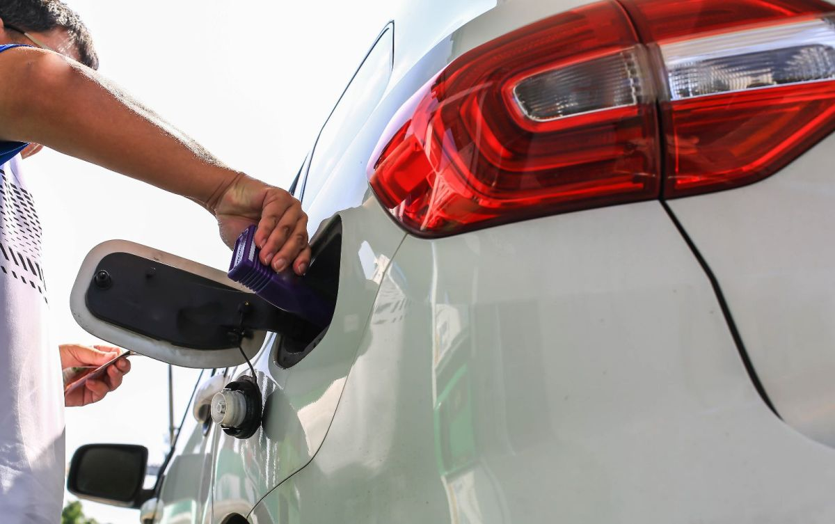 Seafoam ayuda a que todo el sistema de combustible funcione mejor