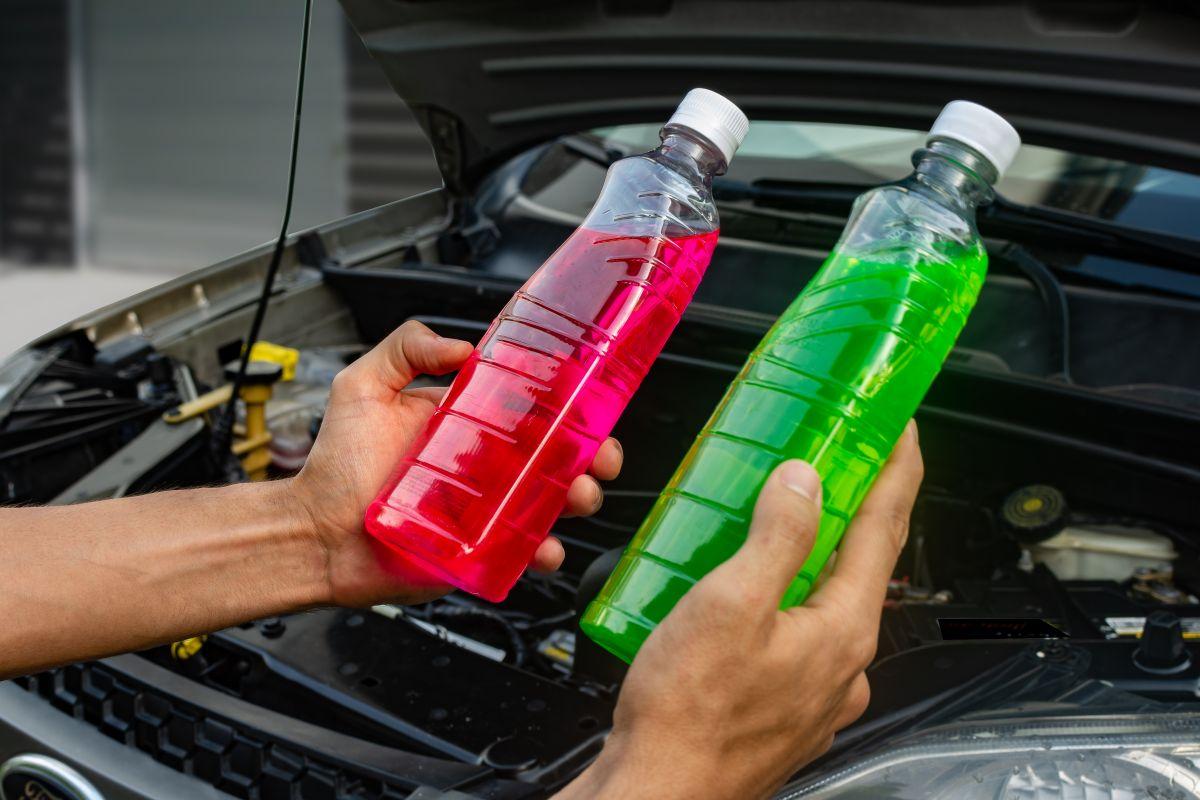 El antifreeze y coolant se encargan de mantener la temperatura adecuada del motor.