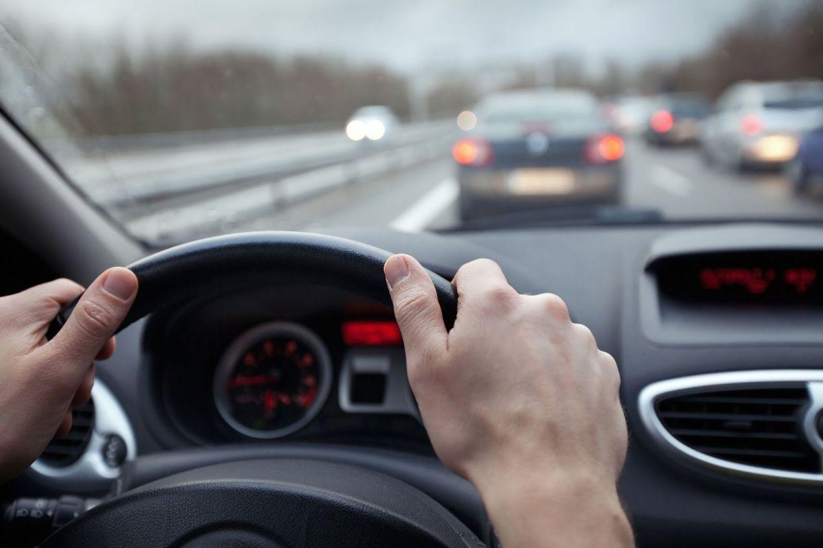 Guardar distancia  mientras conduces, reduce las probabilidades de choque.